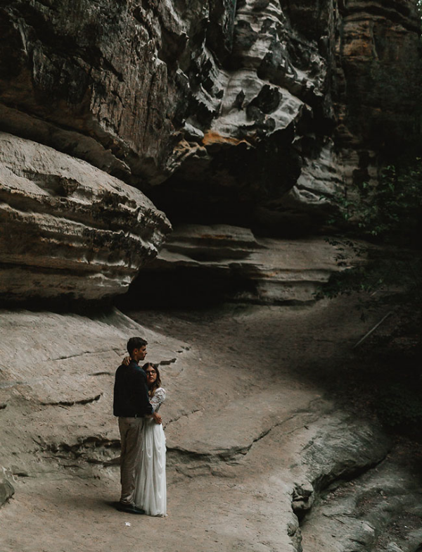 Starved Rock IL Elopement wedding flowers by Foraged Floral