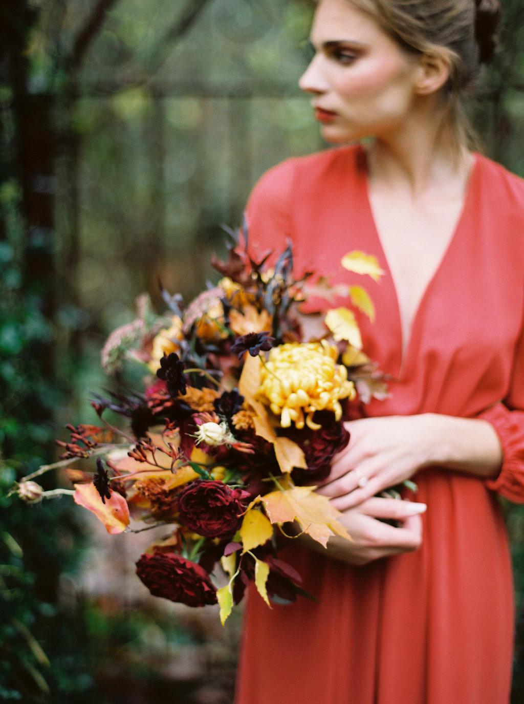 deep burgundy, peach and red bridal bouquet oregon.jpg