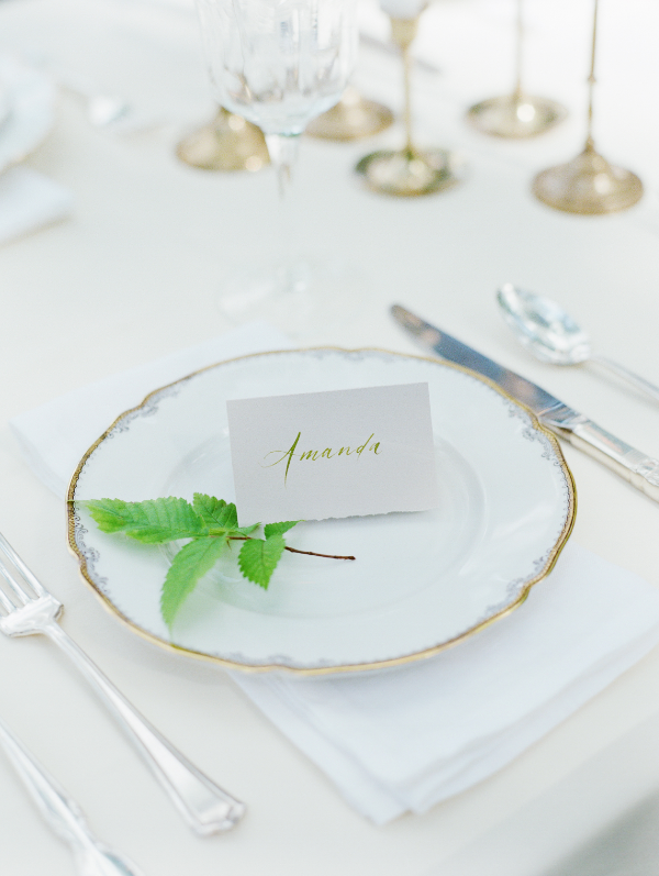 white wedding table decor inspiration