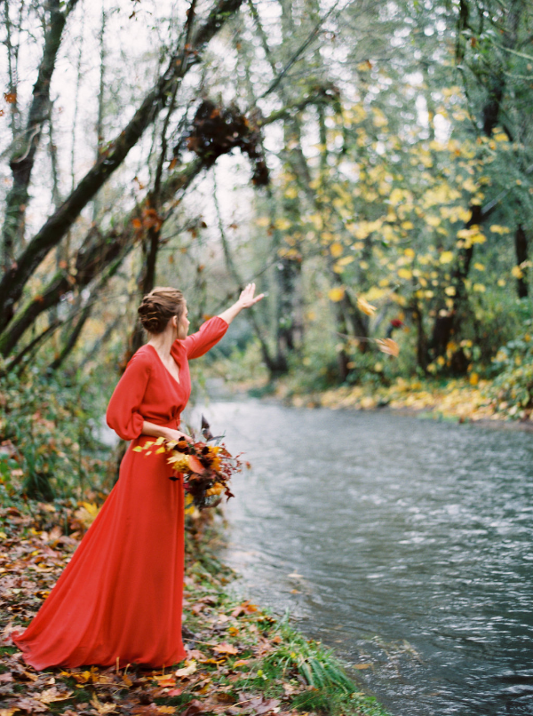 Fall colored bridal bouquet at Deepwood Estate Wedding by Foraged Floral in Portland, OR