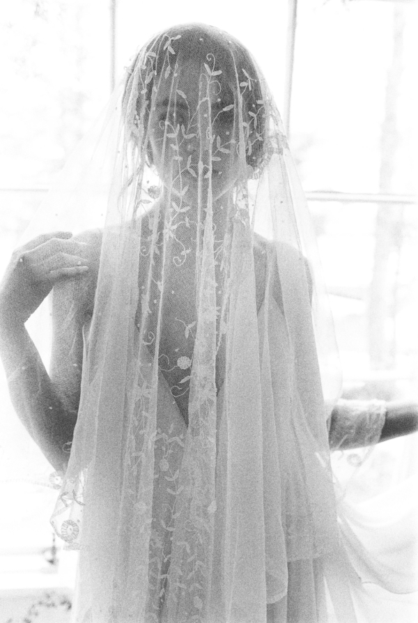 vintage lace veil bridal portrait inspiration