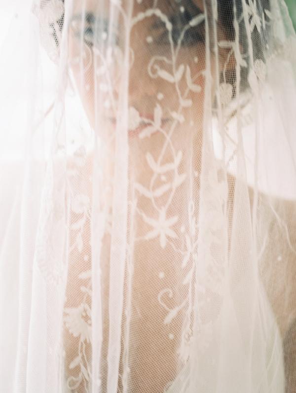 vintage lace veil from gossamer vintage