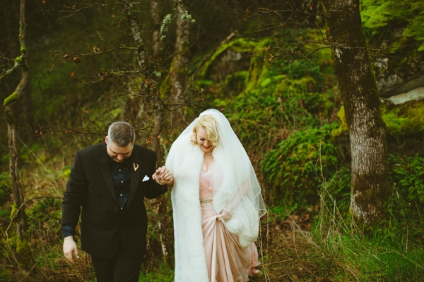 oregon bride and groom wedding portrait