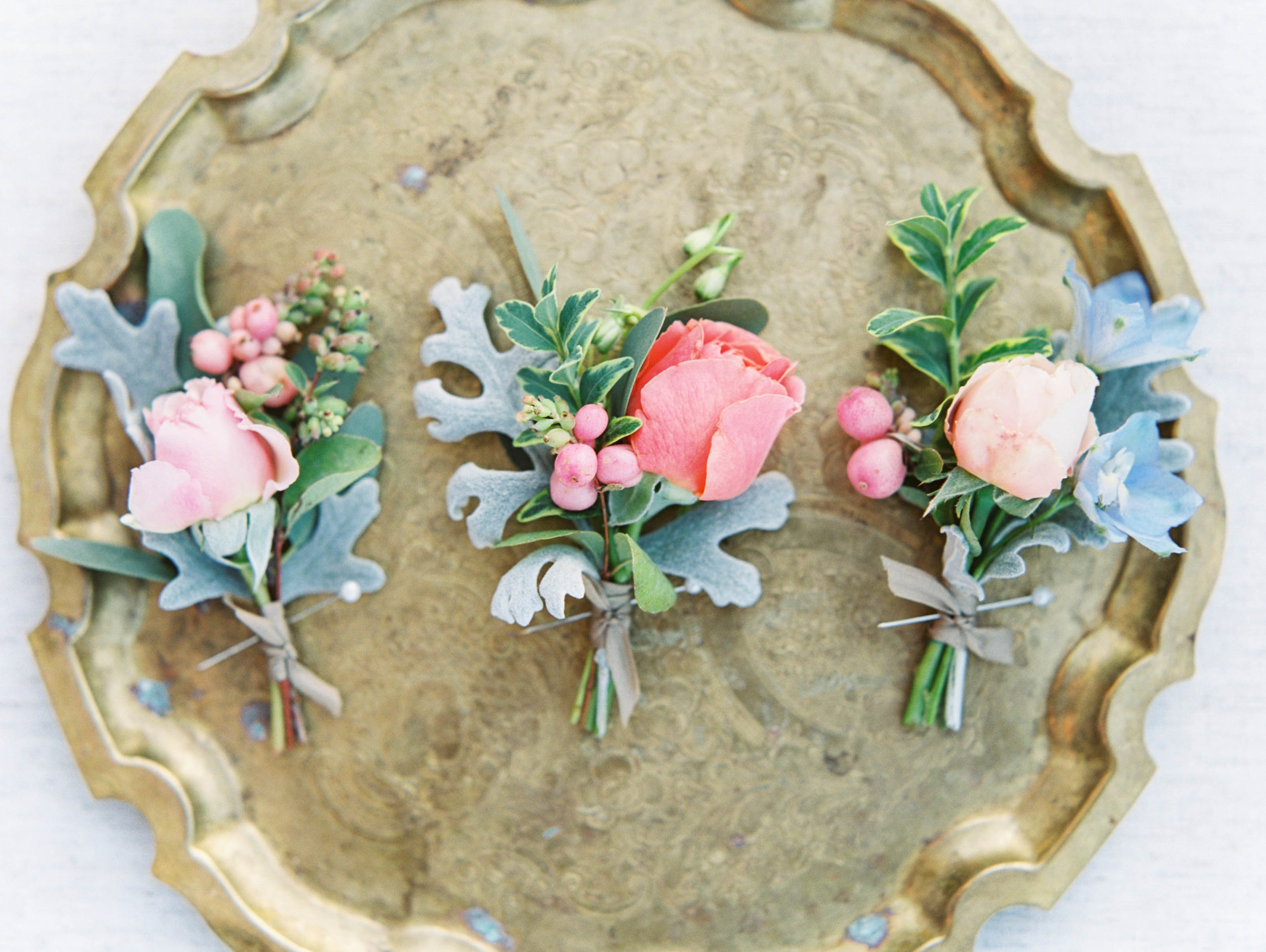 pink peach and blue wedding boutonnieres in oregon.jpg