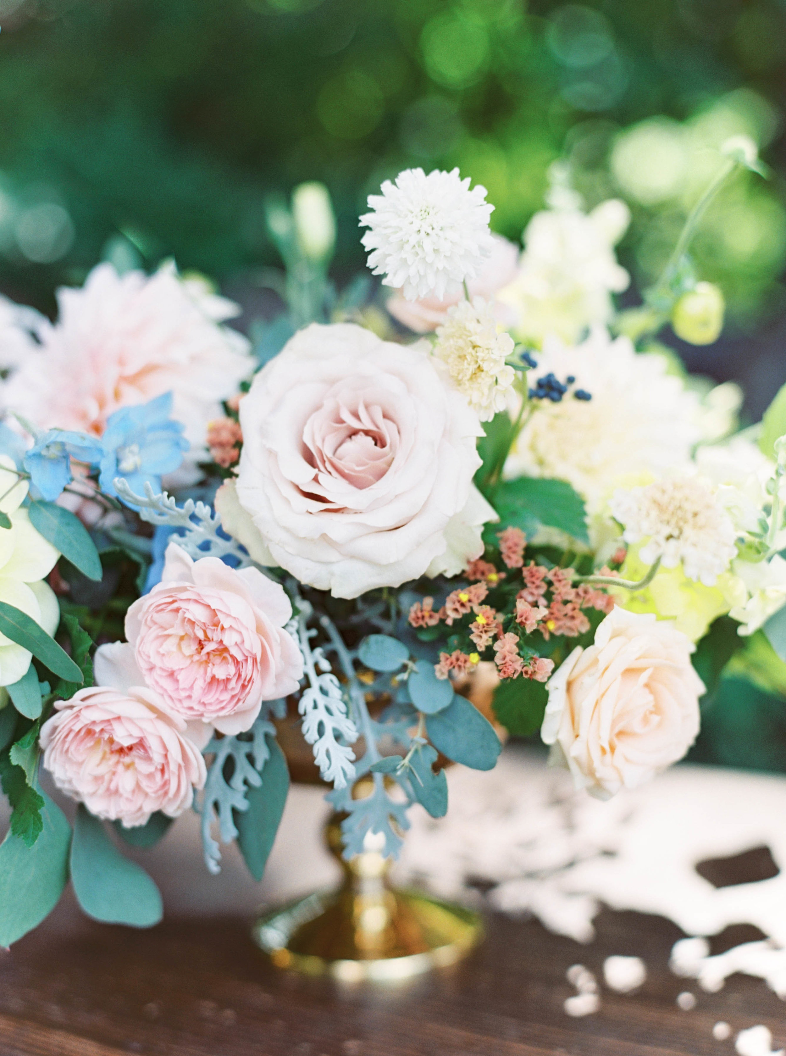 pink, blue and peach wedding flowers for outdoor oregon wedding.jpg