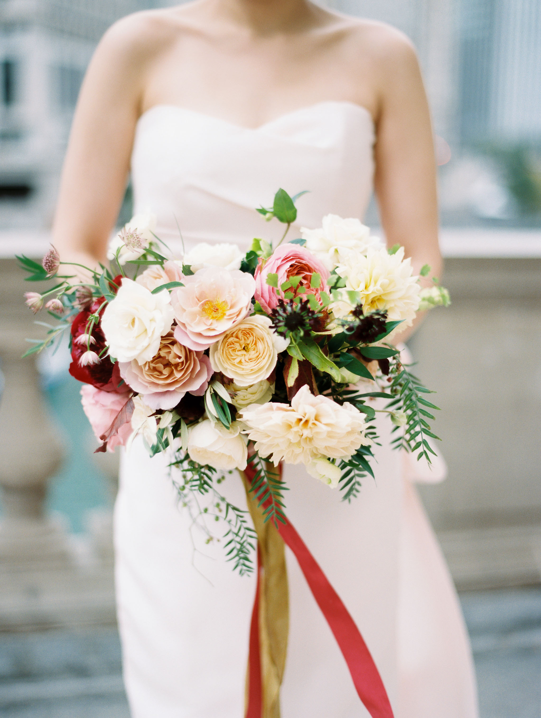fall bridal bouquet with dahlias and farden roses for chiago wedding.jpg