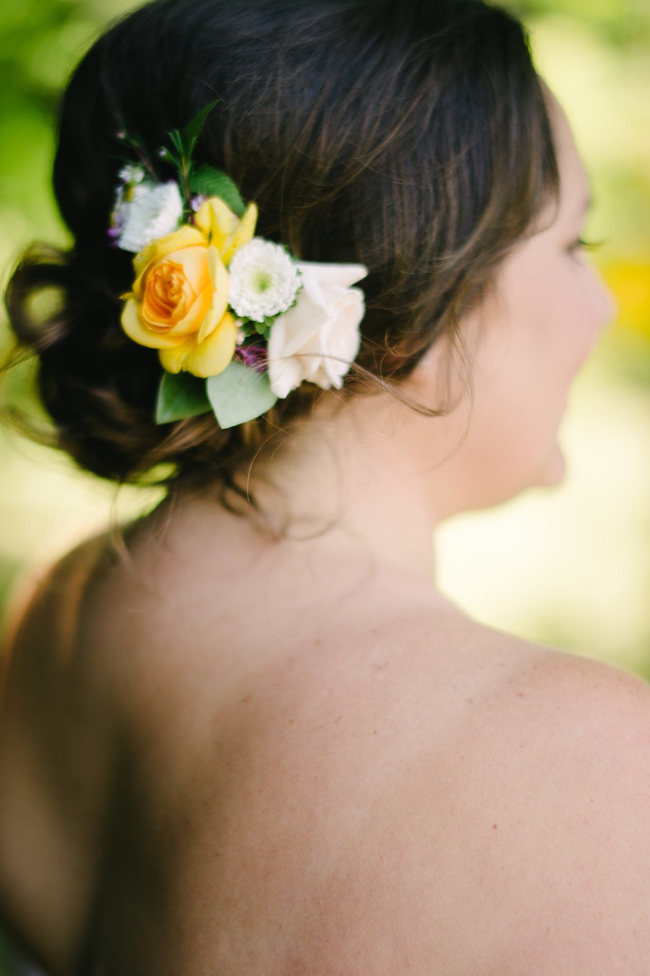 fresh flower hairpiece for bridesmaids.jpg