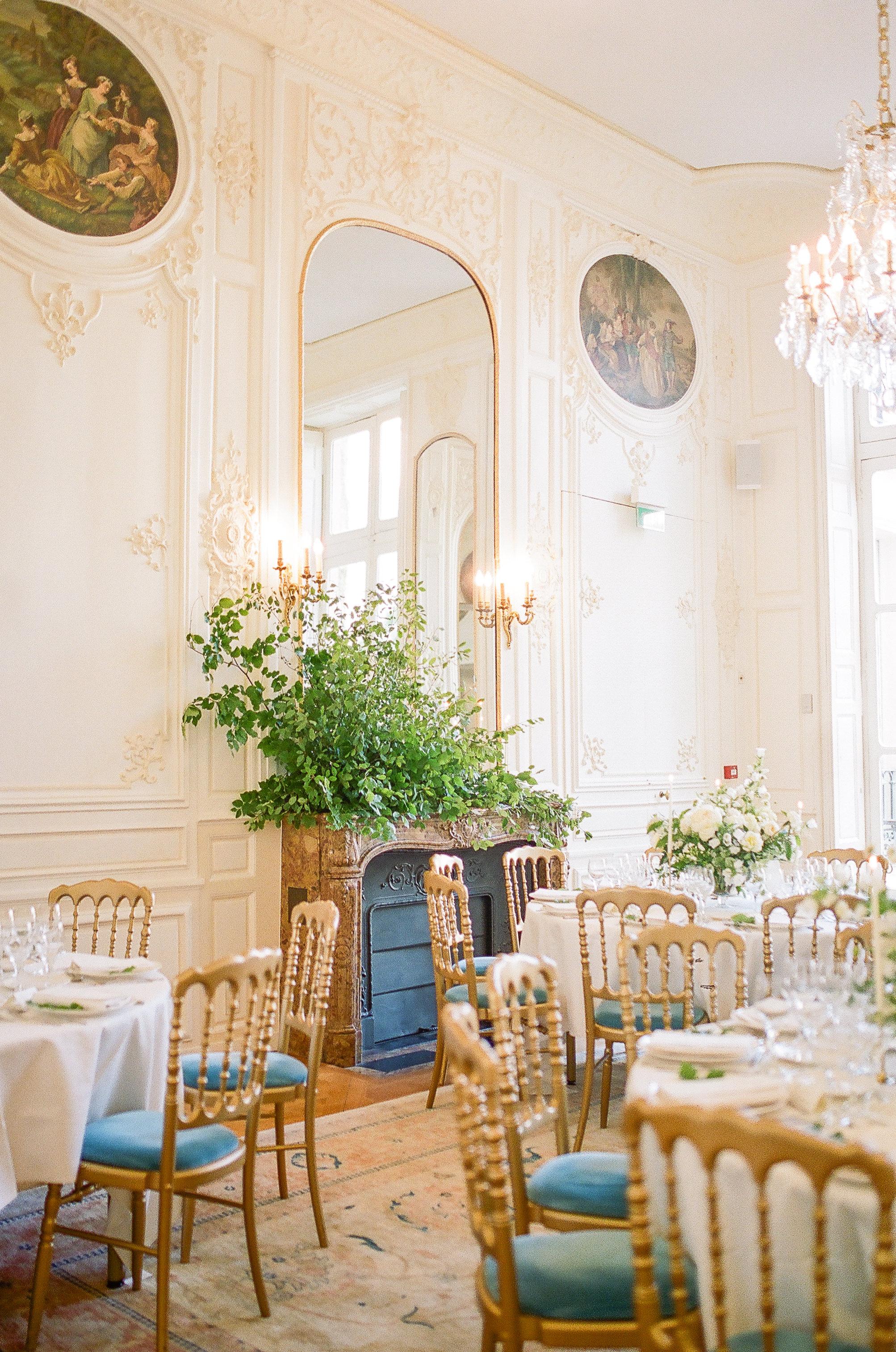 maison-de-polytechniciens-wedding-flowers-peonies-garden-roses-and-paris-wedding-florist.jpg