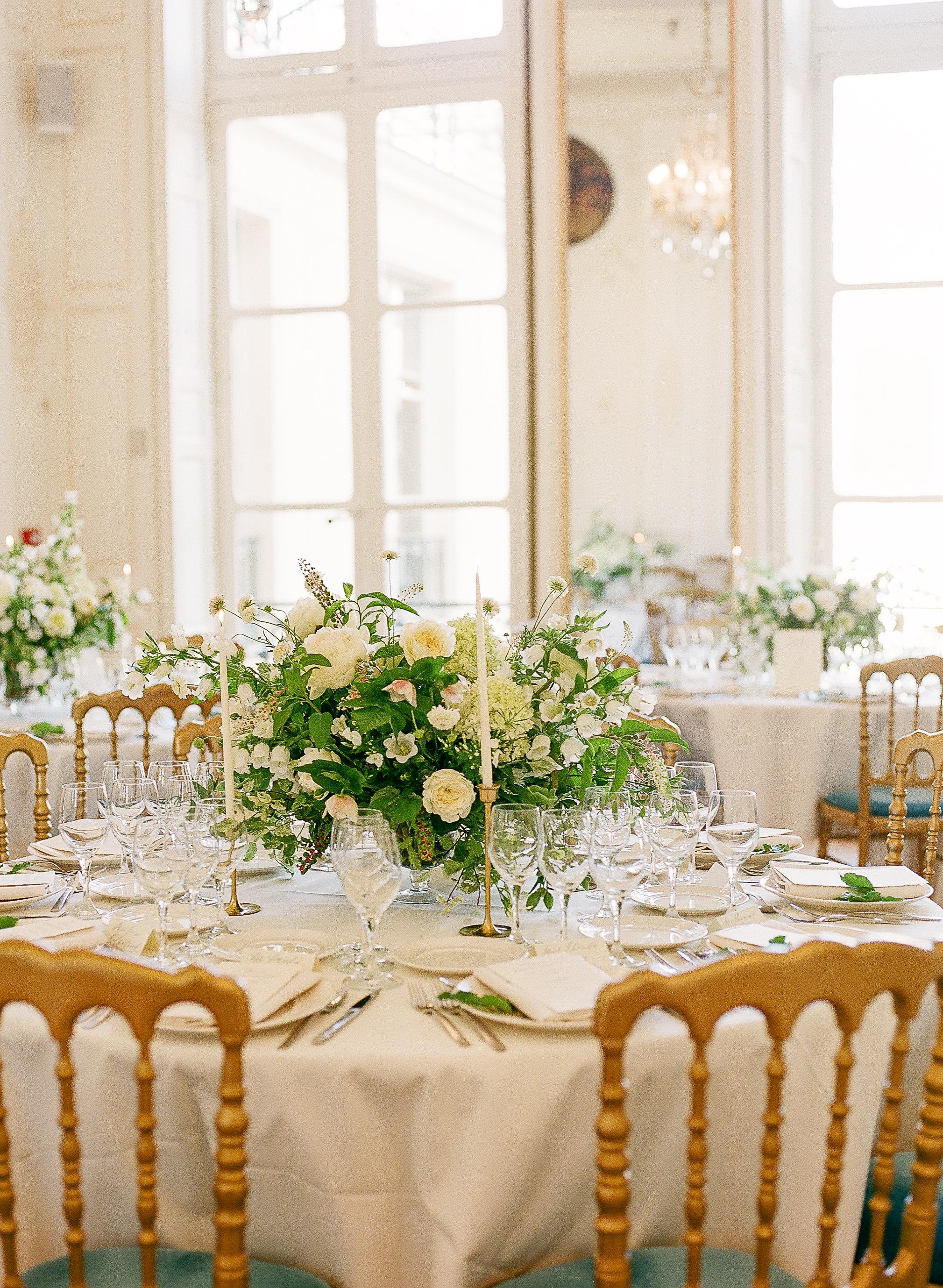 paris-wedding-flowers-peonies-and-garden-roses-at-maison-de-polytechniciens.jpg
