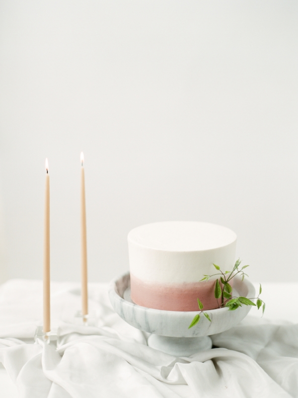 minimal wedding cake inspiration with fresh flowers greenery by Foraged Floral