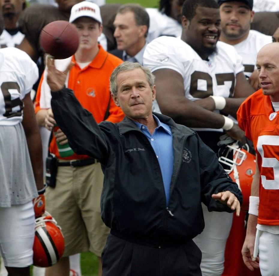 http://cdn.rsvlts.com/wp-content/uploads/2012/10/President-Bush-throws-a-football--930x922.jpg