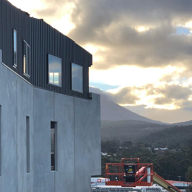 Rolling clouds rolling over Kingston and construction pushing on. . . #construction #concrete #colorbond #apartments #tasmania #LXN