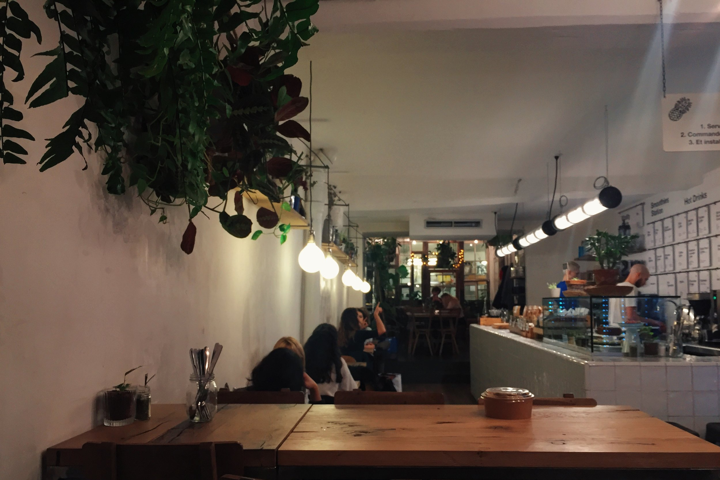 Visiting Paris? - Between all the wine and cheese, try one of these healthy conscious cafés before you say au revoir.