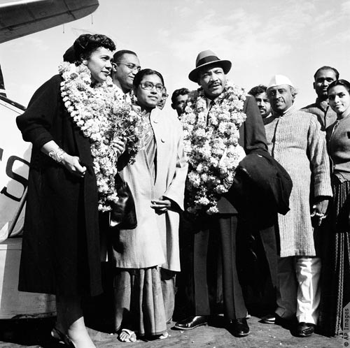 Martin Luther King Jr. meets leaders in India