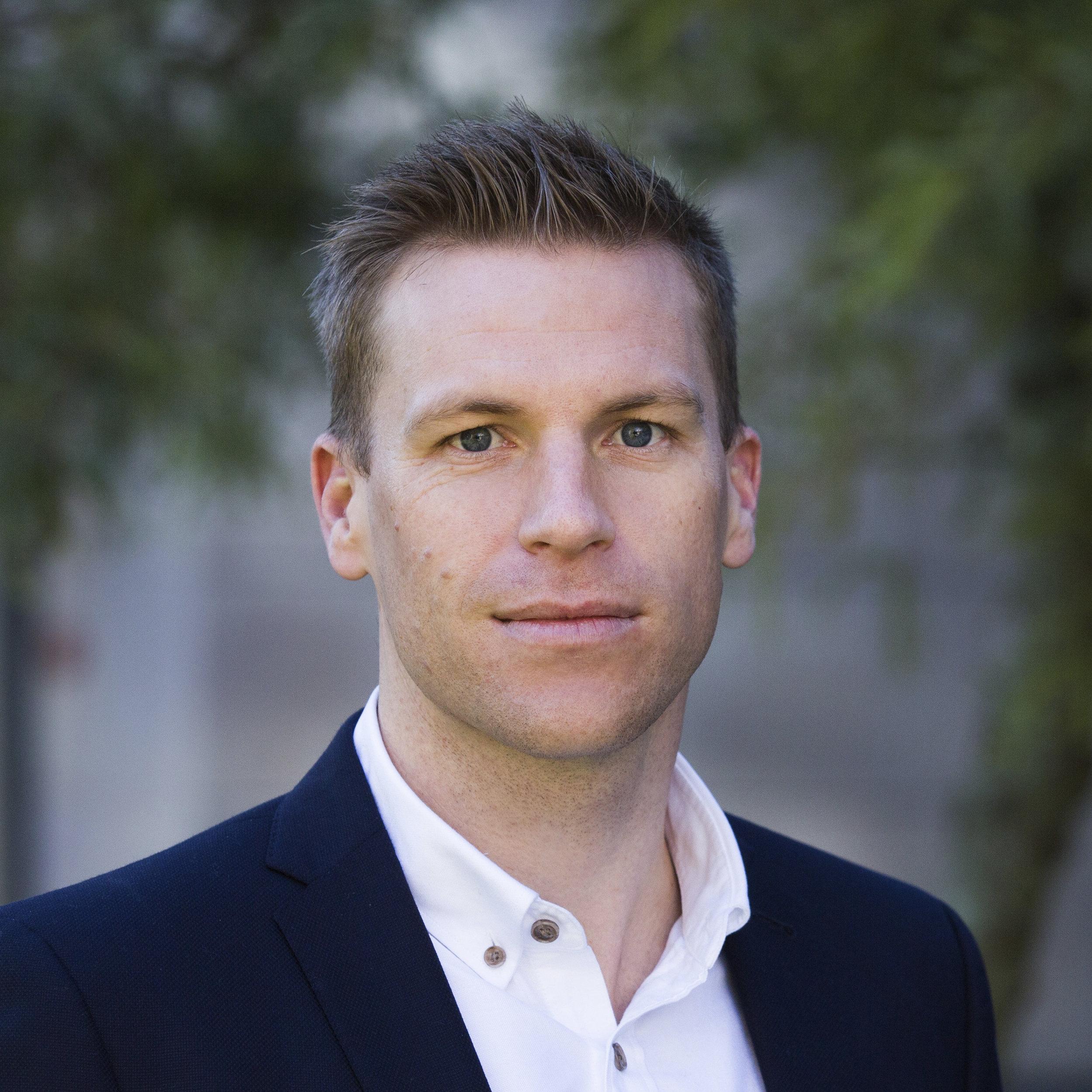 Tim Graham Associate Director