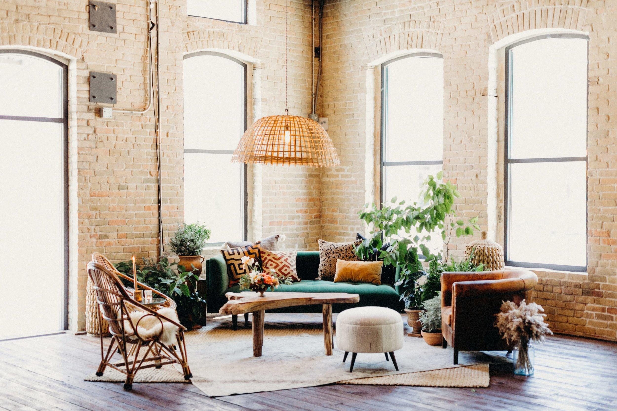 Lounge via   Loot Vintage Rentals