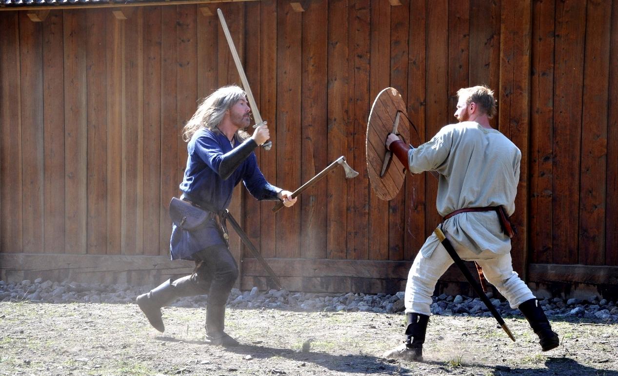 combat glima - Holmgang - viking duel - tyr neilsen - Photo: T. Neilsen - B. Wemundstad