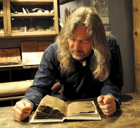 Tyr Neilsen and original Havamal manuscript