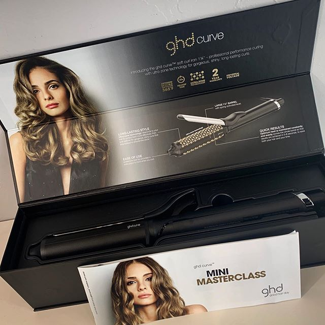 Does your iron at home have the ability to make your curls last longer? The GHD Curve Soft Curl Iron has Ultra-zone Technology to control heat more effectively to lock in curl while locking out frizz! But wait😱Comes with a 2 year warranty as well🥰 #discoveraudace #salonaudace #maindistrictnorman #salonsavvy #normantopsalon #normanhairsalon #oklahomahairsalon #behindthechair #shuuemurahair #sevenhaircare #partneredwiththebest #modernsalon #ghdhair #loveourjobs❤️ #licensetocreate #naha2019 #votedbestsalon