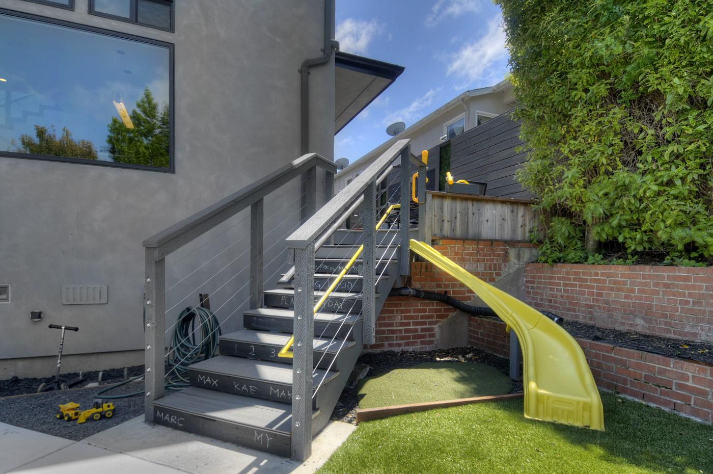 backyard1d.jpg