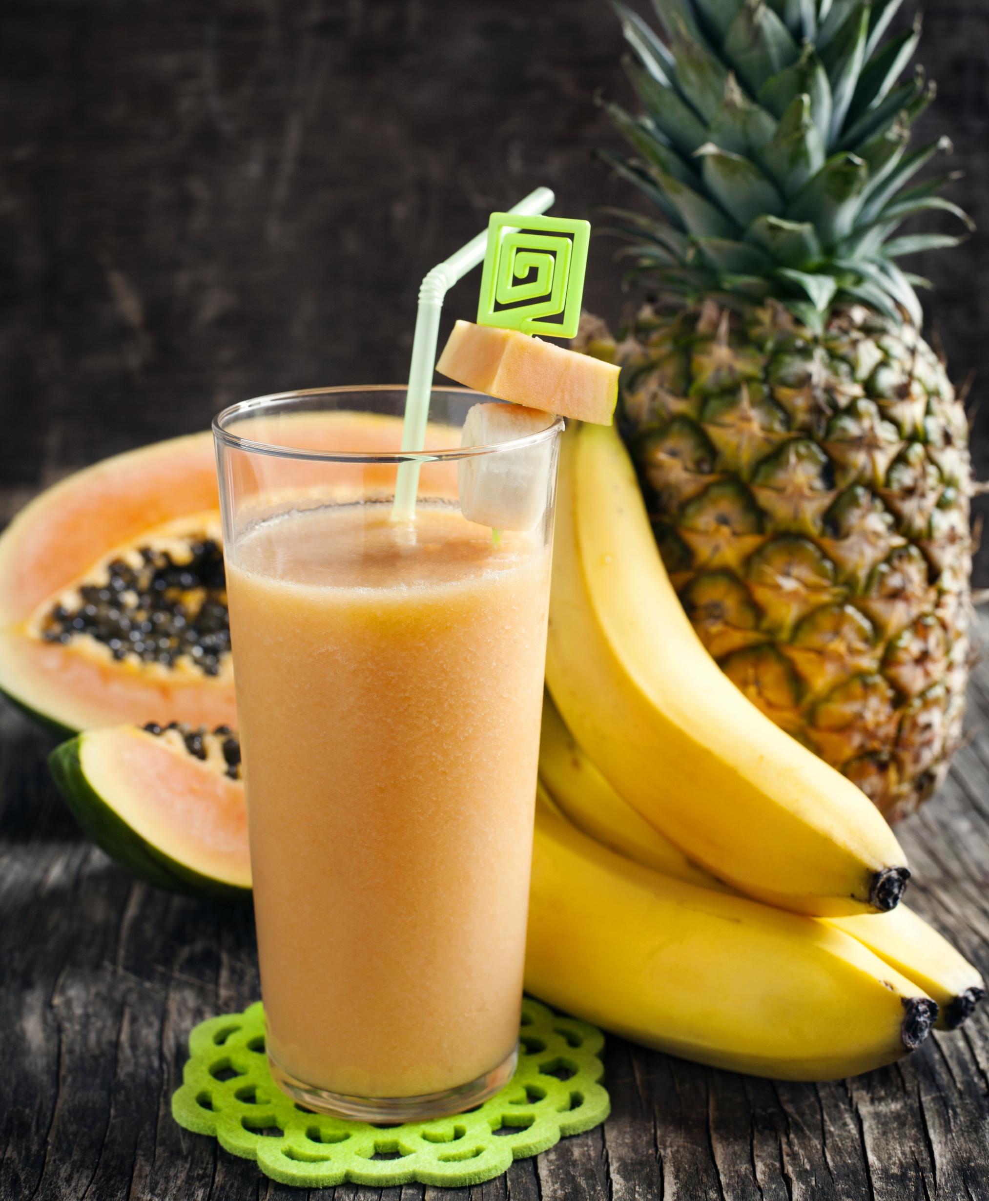 Post-workout banana-pineapple-papaya smoothie