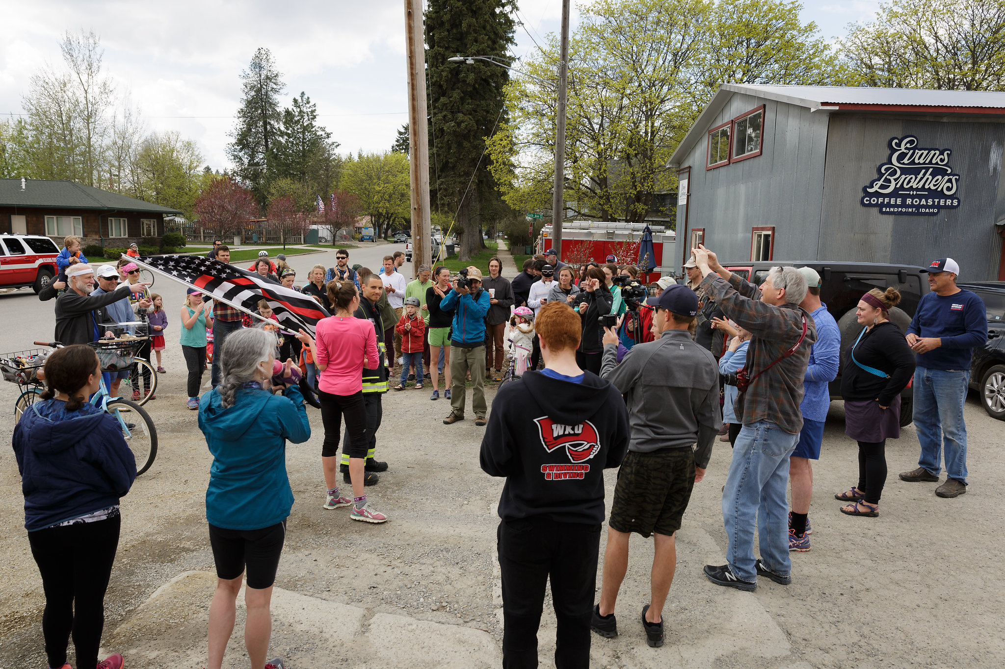 Plant-Positive-AmyHendersonPhotography-100 Mile for Cancer Prevention-180429_Gwen100_177_gc.jpg