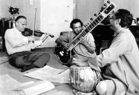 Menuhin with Ravi Shankar