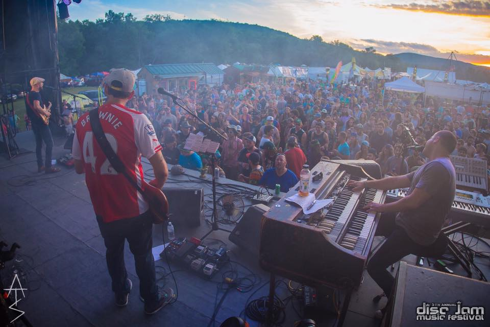Image Source: ATS Photography and Disc Jam    That sunset, tho...
