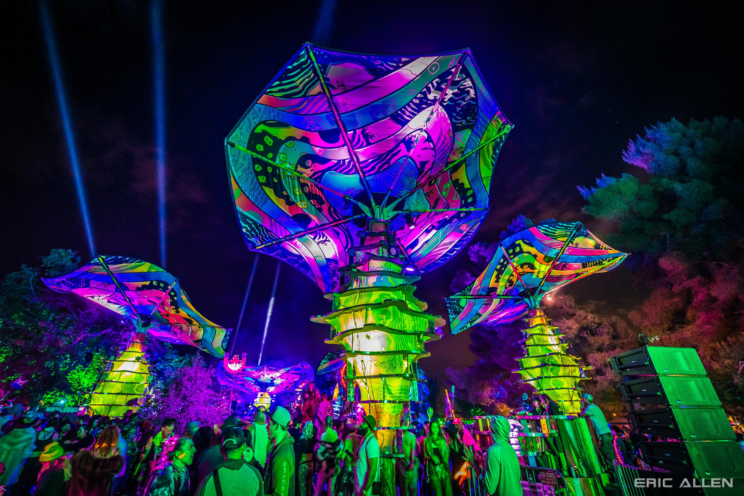 Glitzern Grime designed Woogie Stage lights up at Lightning in a Bottle 2019  📷: Eric Allen