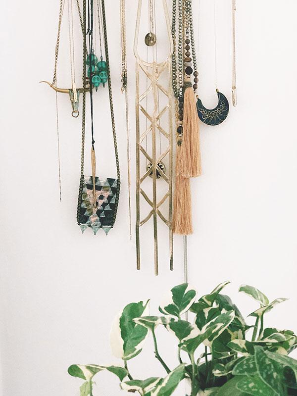 organizejewelrydresser11.jpg