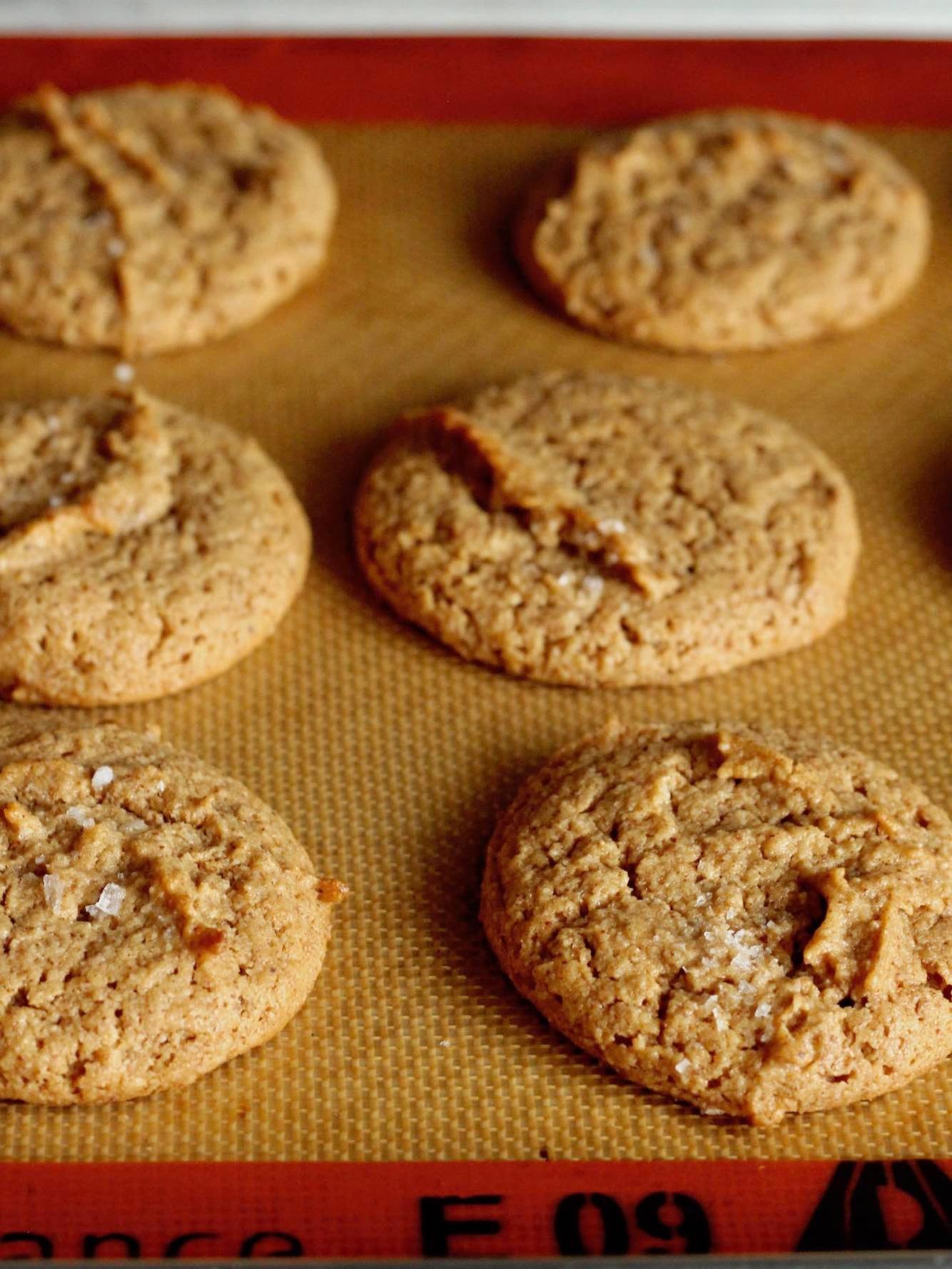 almond+cookies.jpg