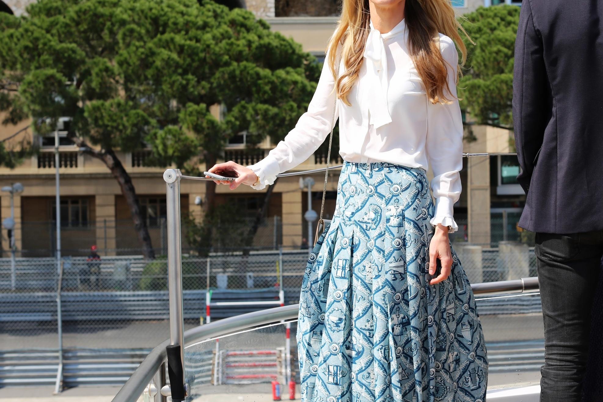 Skirt: Gucci, Blouse: Karl Lagerfeld