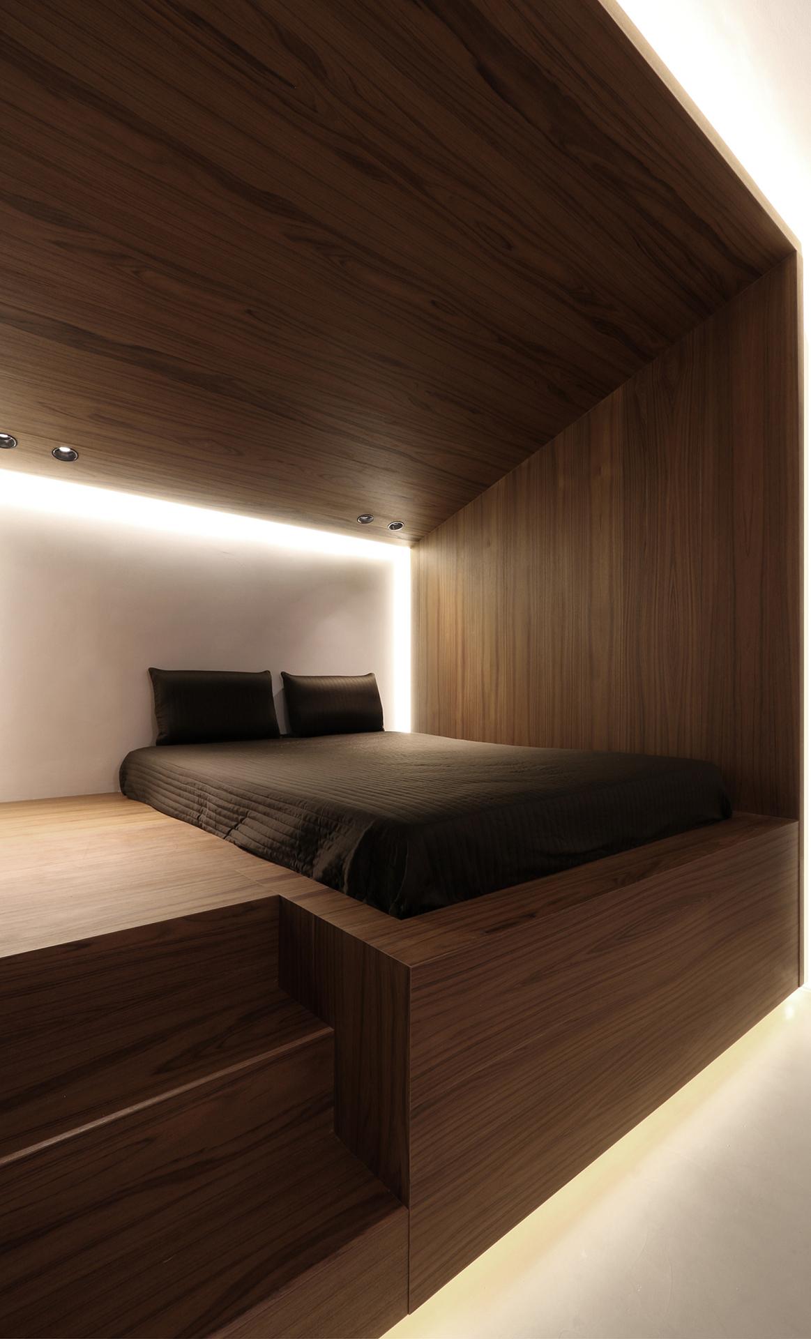 attic 01.jpg