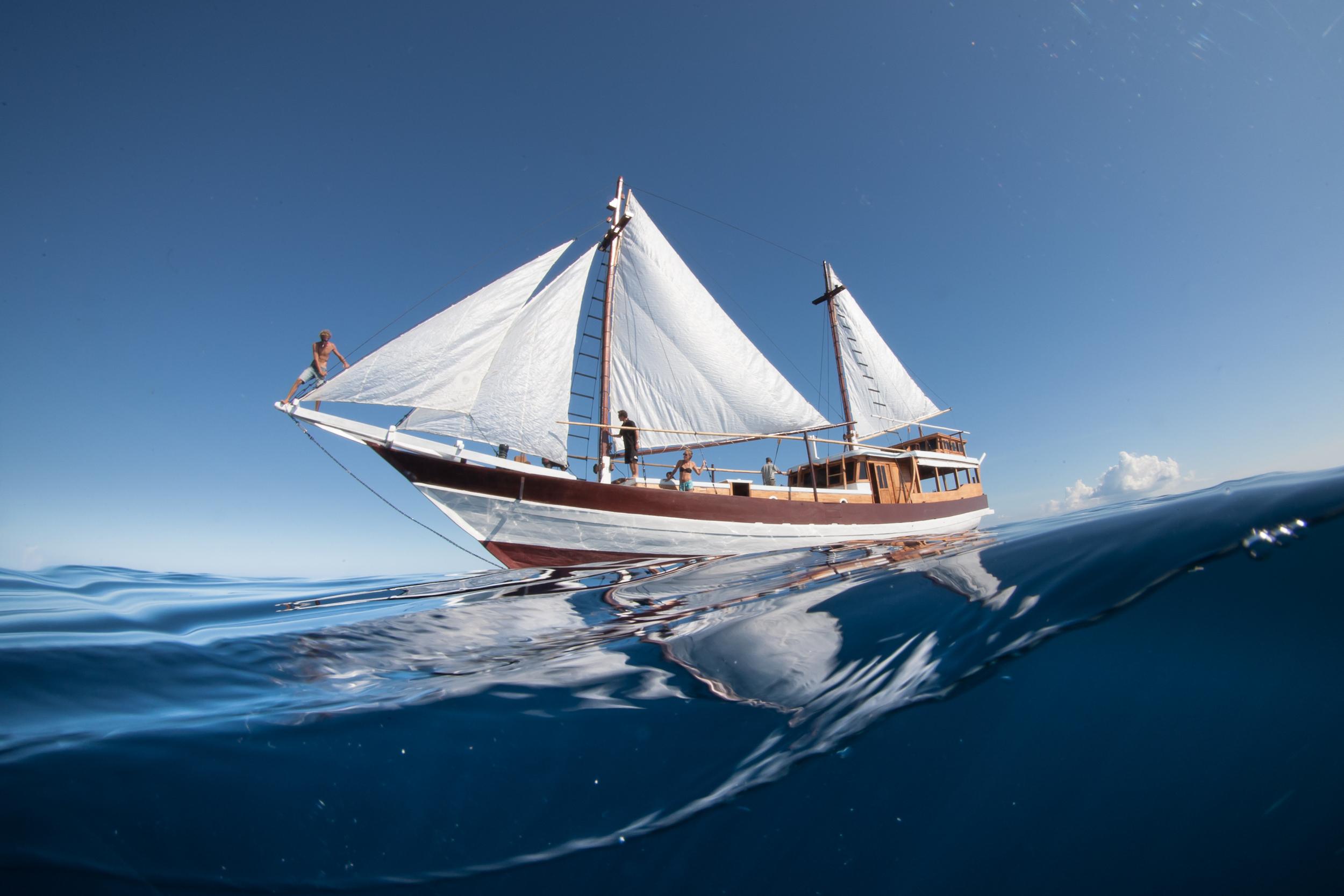 raja-ampat-sailing.jpg