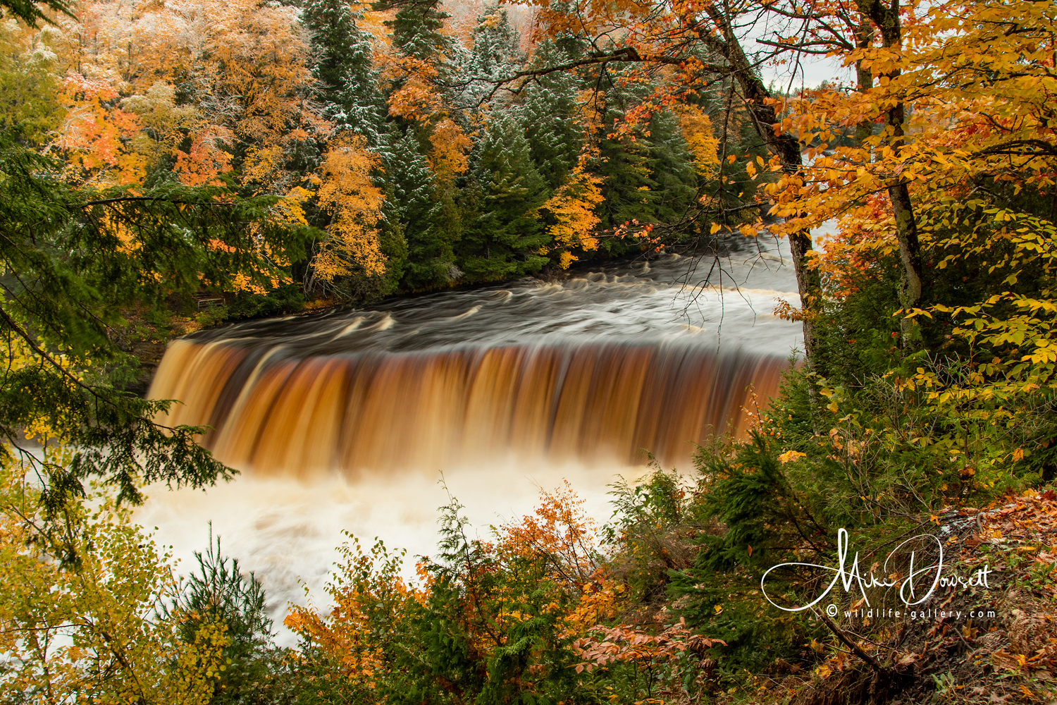 Tahquamenon Upper Falls in late Fall 2018