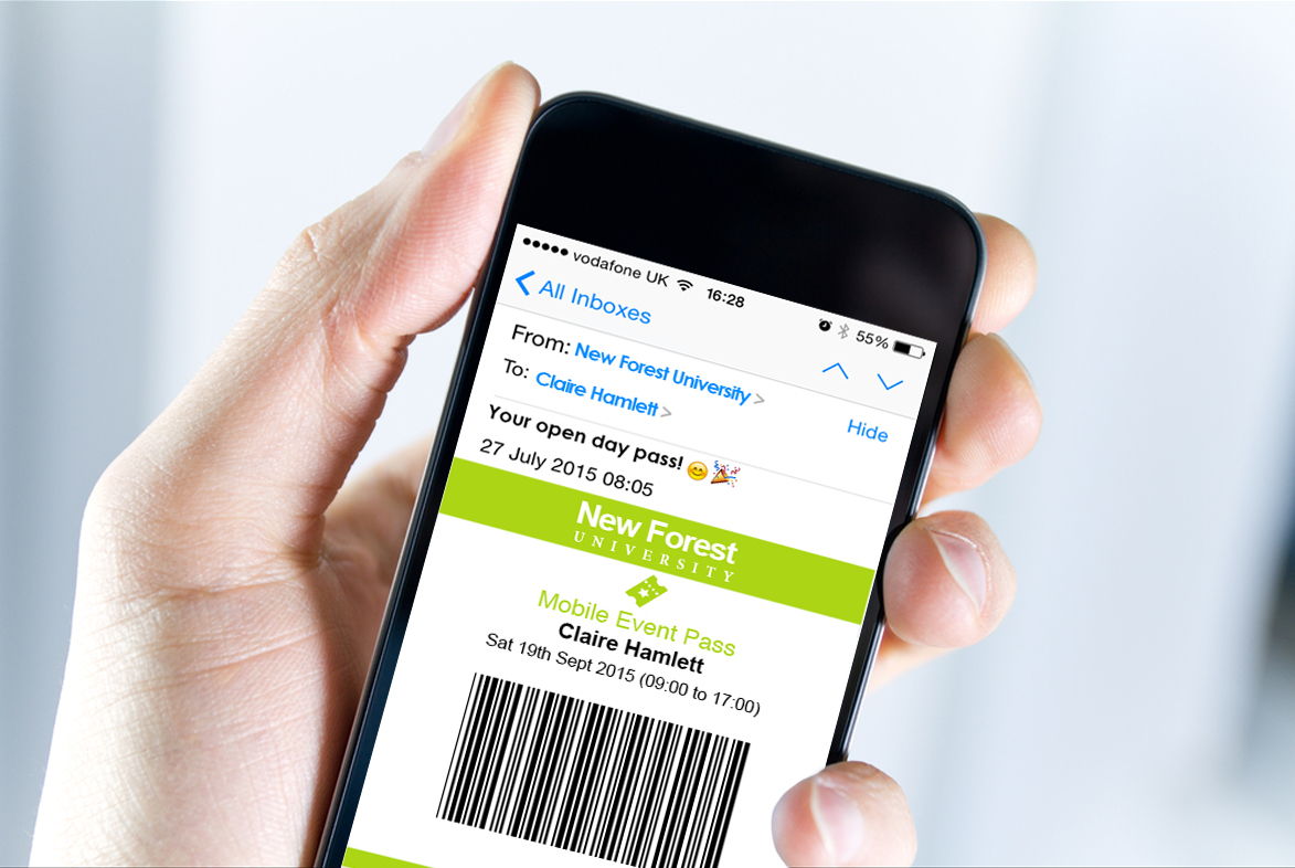 On arrival at your university, students can present their Mobile Entry Pass on their smartphone. A quick scan with a barcode reader and they are registered within seconds, removing bottlenecks.