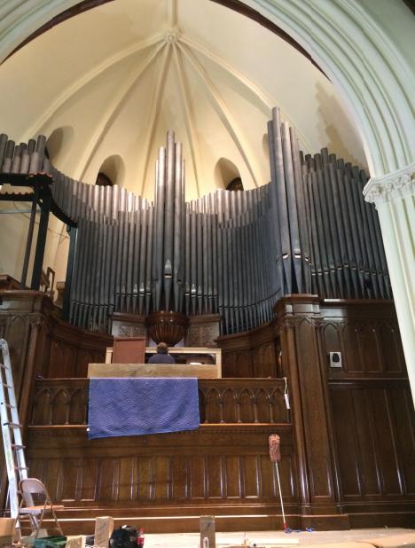 First church organ.png