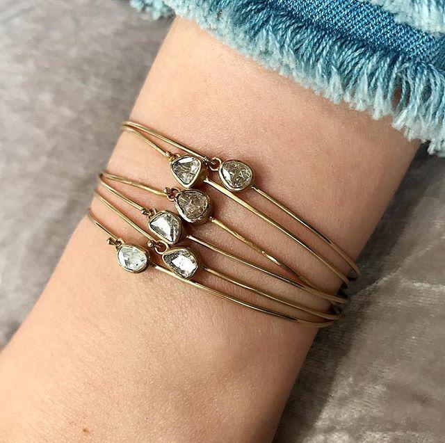 ✨::::Glitter Ball::::✨ Pretty single diamond and gold bangles - - - - - - - - - #adelphe #adelphelondon #phillipahastings #edenhastings #organicdiamond #bangles #bracelets #summerjewelry #summerjewellery #gold #ethicaljewellery #handmadejewelry #londonjewellery