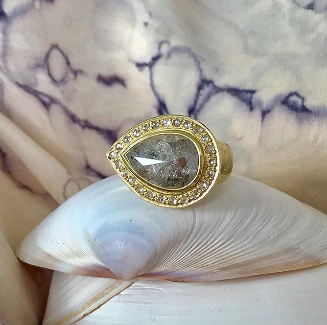 The April birthstone, the diamond, a symbol of everlasting love...💙💎💙 #greypearshapeddiamond #diamondring #greydiamond #greydiamondring #goldjewellery #adelphe #18ctgold #adelphelondon #adelphejewellery #phillipahastings #edenhastings #handmadejewelry #naturaldiamonds #perfectlyflawed #londonjeweller