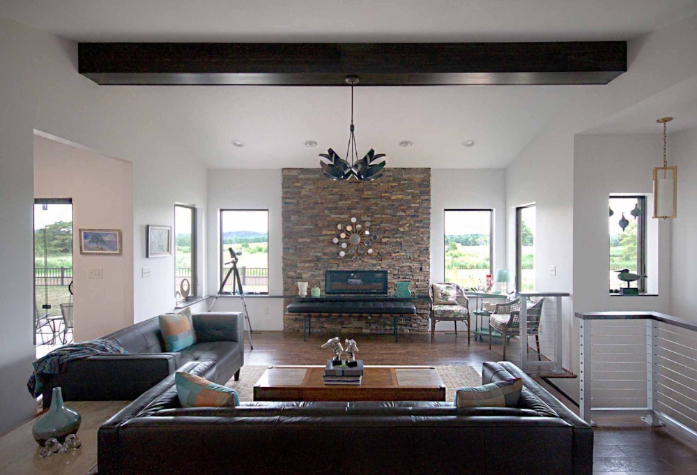 livingroom-straight083116.jpg