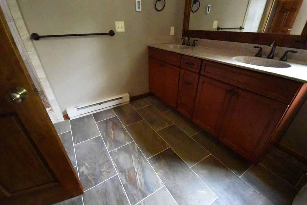 bathroomfllor.jpg
