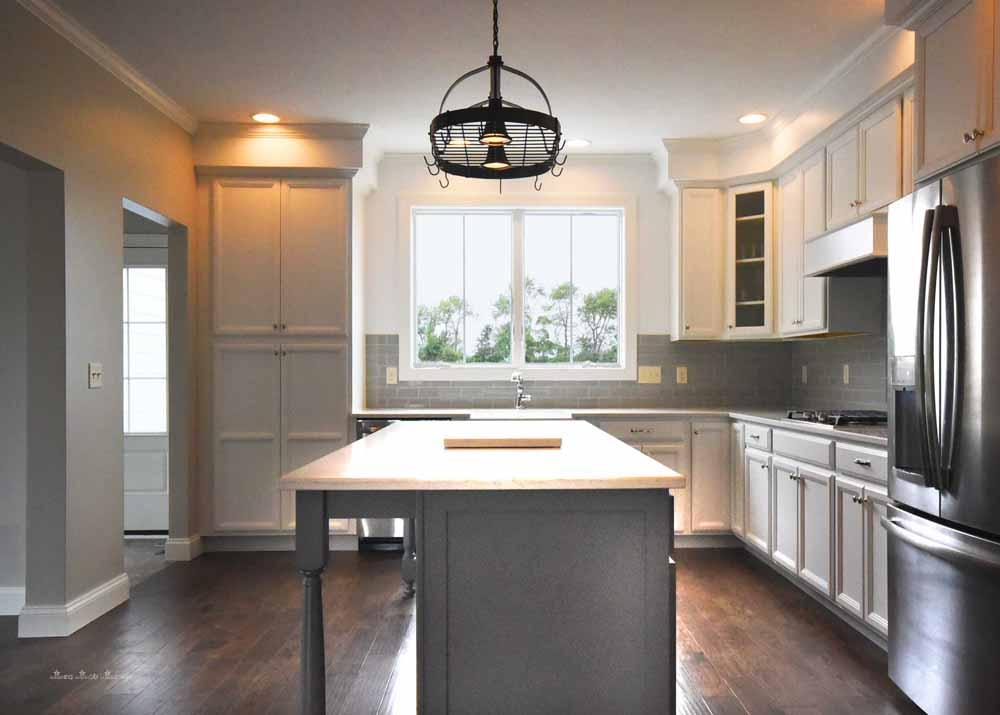 kitchen straight.jpg