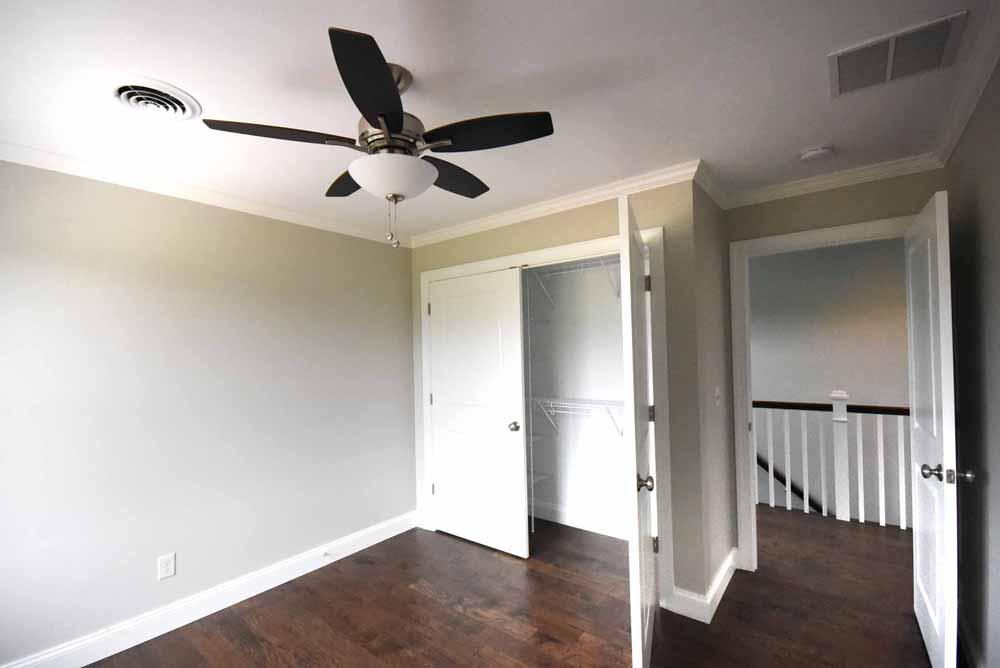 upstairsbedroom.jpg