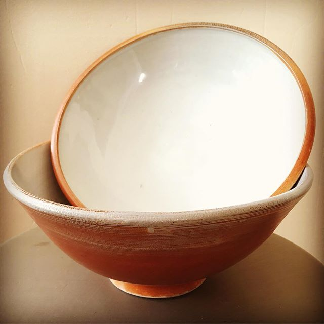 These soda fired bowls and much much more this weekend Portland Pottery Holiday Show & Sale.  Fri 9am-7pm, Sat 10am-5pm, Sun 11am-4pm @portlandpottery #holidaysale #buylocal #potterysale #stoneware #sodafired