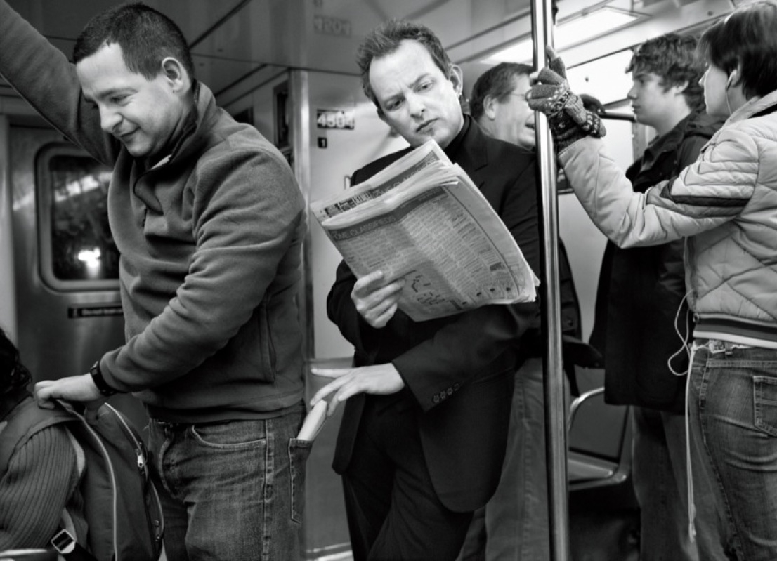 Pickpocket in a New York subway