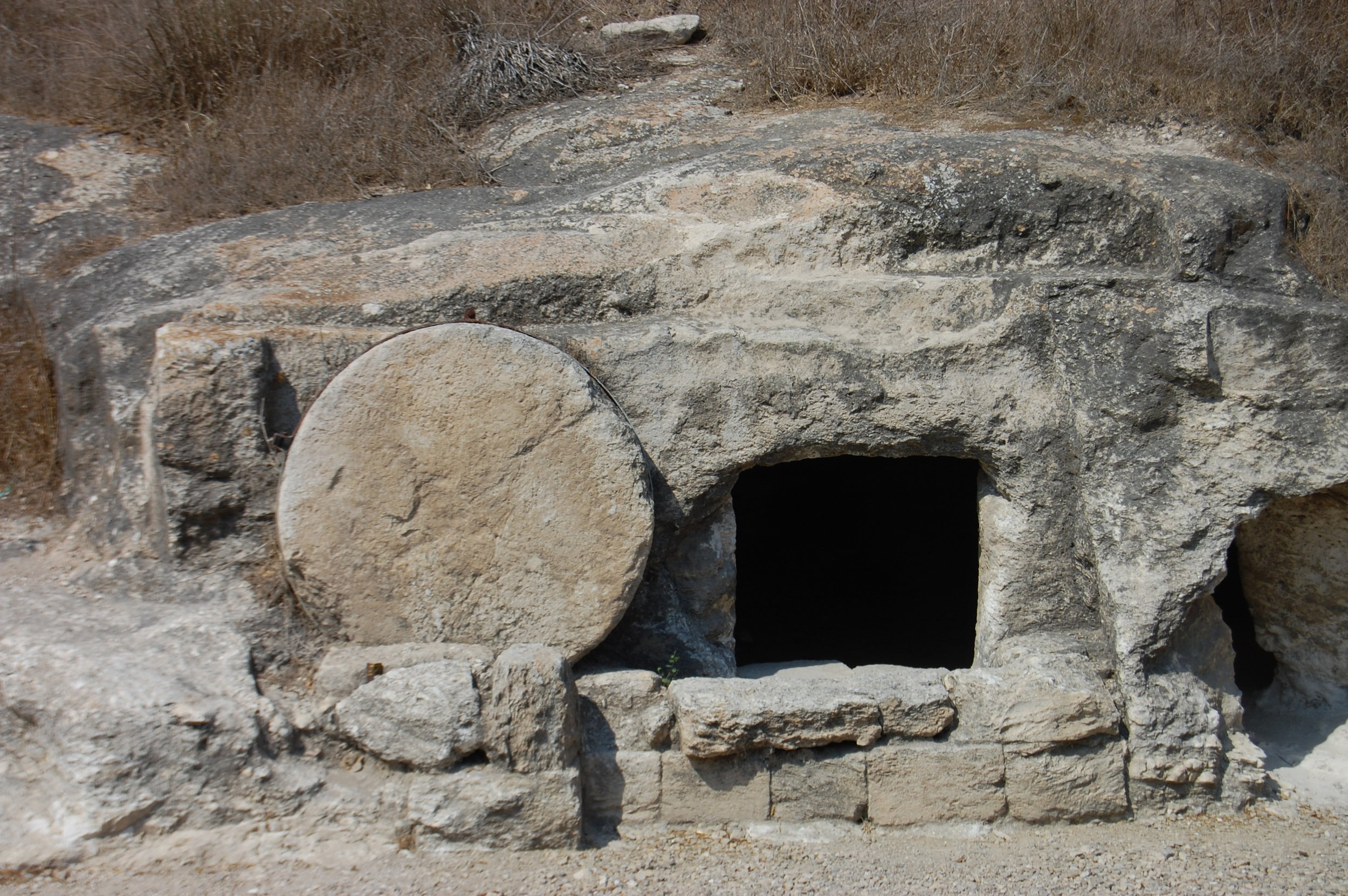 tomb site similar to the resurrection of Jesus