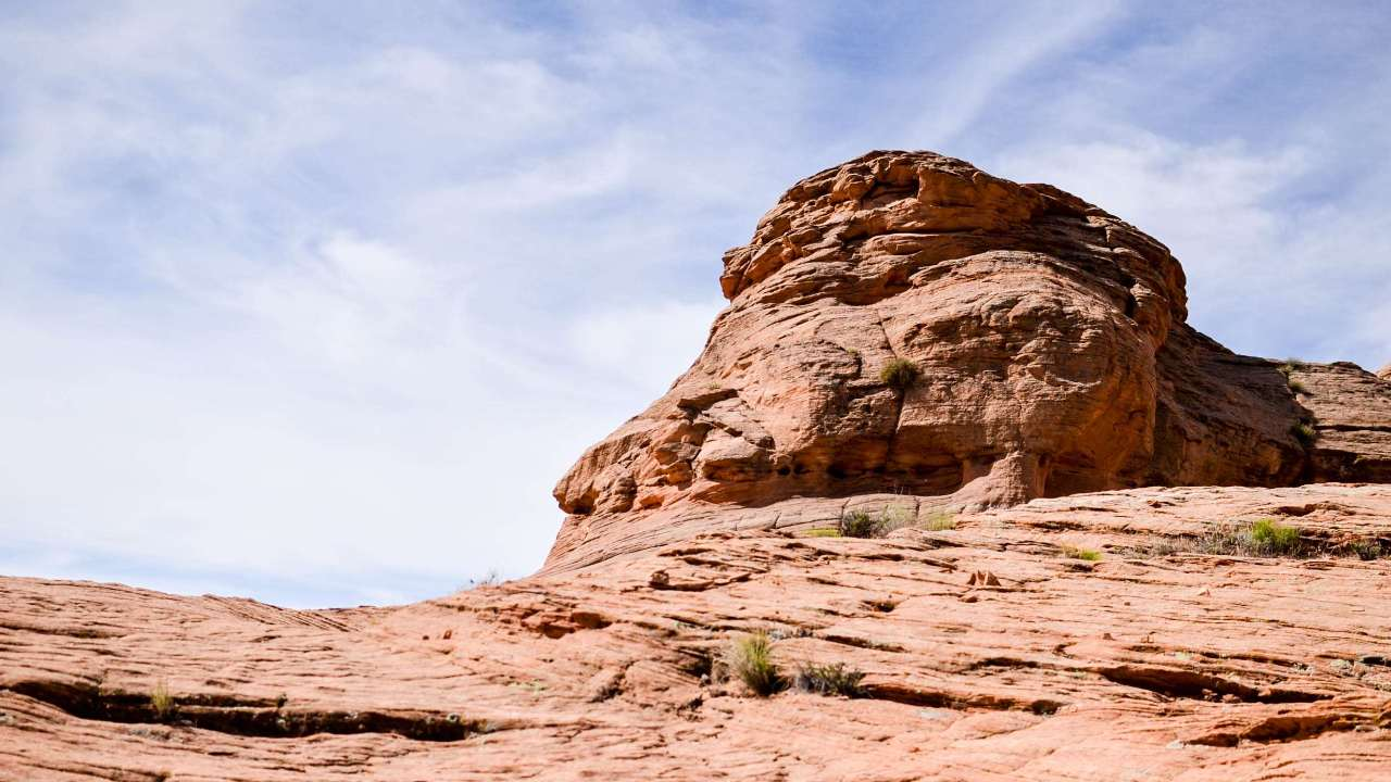 1280x720-3073460-arid_barren_canyon_cliff_desert_dry_erosion_geological-formation_geology_landscape_mountain_nature_outdoors_park_rock_rock-formation_rocky_sand_sandstone_scenic_sky_stone_summer_travel.jpg