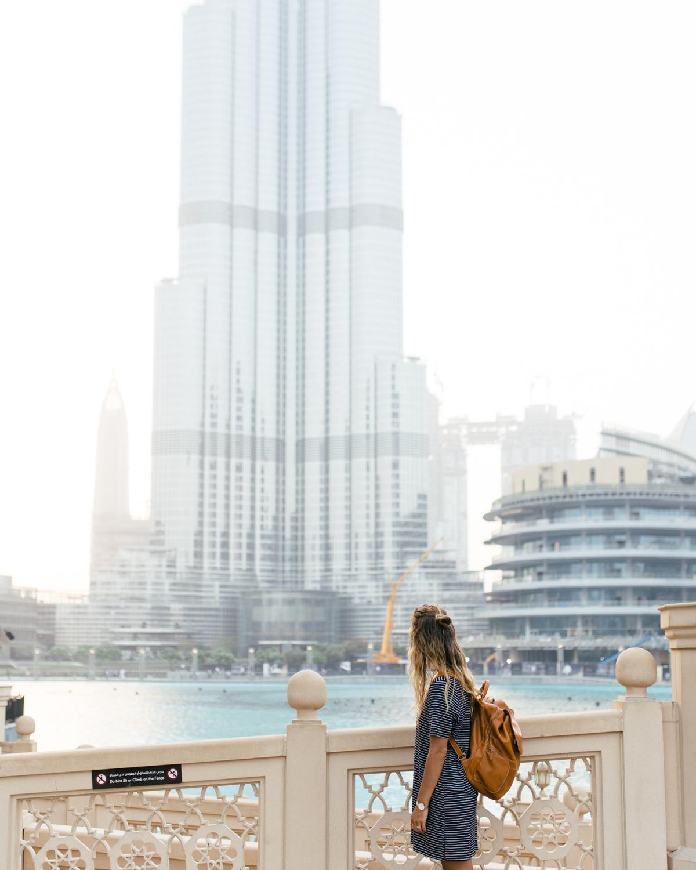 burj khalifa water fountain show dubai