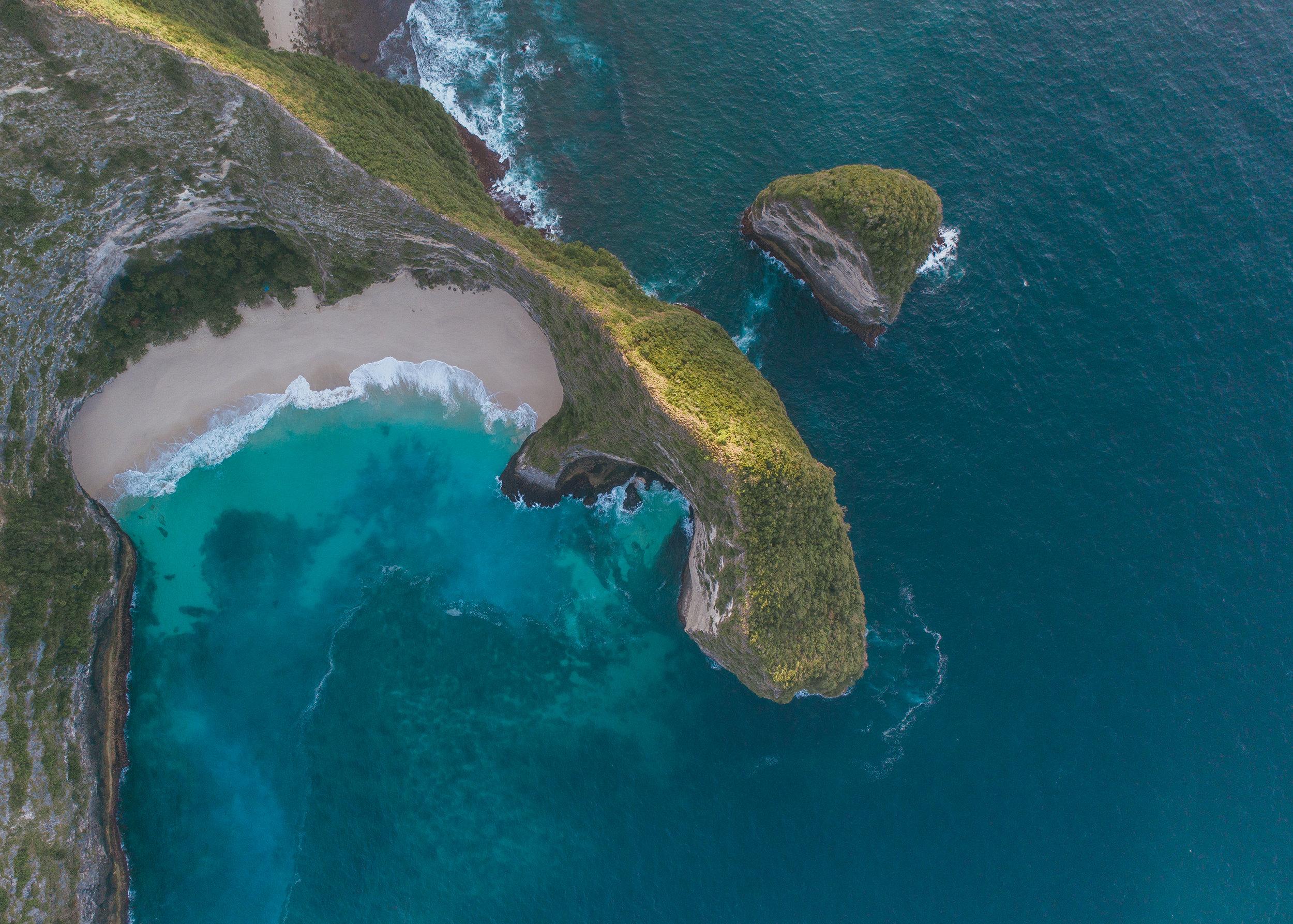 what to do in bali nusa penida island keling kling beach