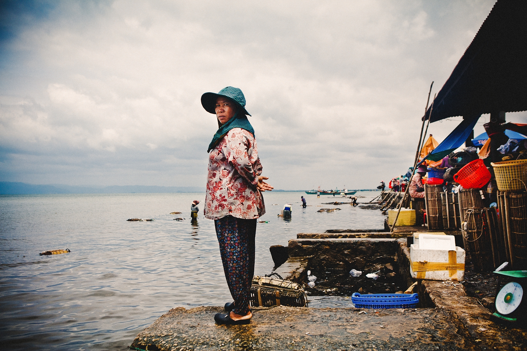 Khmer woman working in the crab market in Kep.